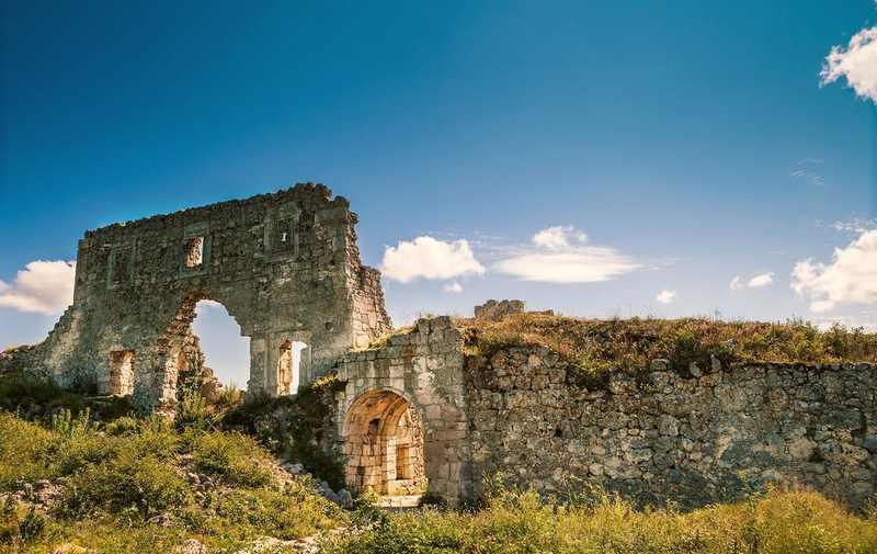 Мангуп Это город с многовековой интересной историей, столица княжества Феодоро