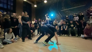 Battle HIP-HOP PRO 1/8 | Lera Kest vs Burn | Home Buck 4