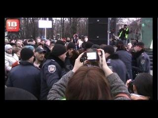 Жжгёт! ☢ ЖЕНА 3-х ШАХТЁРОВ выДАЁТ на Антимайдане! Луганск