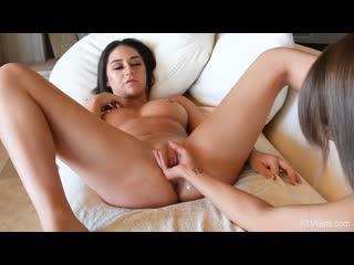 Cali and Carmen - A Very Kinky Start [Fisting]