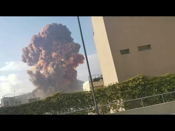 Сильный взрыв в Бейруте Ливан Violent explosion in Beirut Lebanon